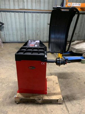 Revive your wheel balancing services with the Redback by Unite RB800 wheel balancer - now available with free delivery at an incredible price.