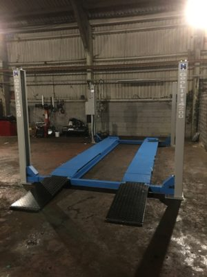 A great installation combining our budget tyre fitting equipment with the luxury of Hofmann Megaplan's alignment lift.
