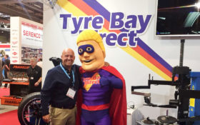 Tyre Bay Dave with Automechanika Delegate