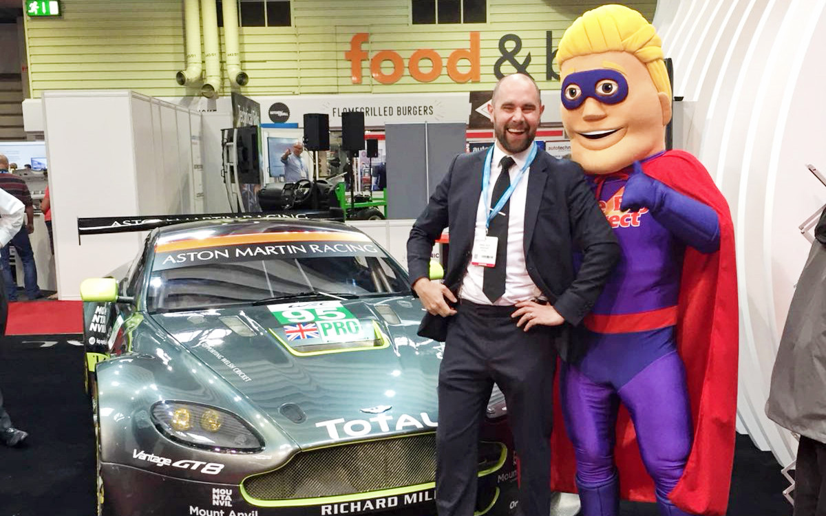 Tyre Bay Dave with Automechanika Exhibitor 7
