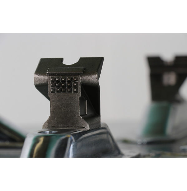 Hofmann Megaplan 'Elite' Super Automatic Tyre Changer clamps close up