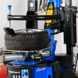 megamount 613 Tyre Changer tyre close up.
