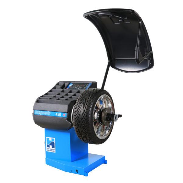 The megaspin 420 Wheel Balancer from Hofmann Megaplan